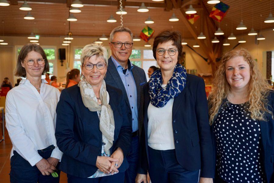 (v.l.n.r) Claudia Buchartowski (FWG), Carina Gödecke (1. Vizepräsidentin des Landtags), Alois Brinkkötter (FWG), Annette Watermann-Krass (MdL), Anja Holters (biond)